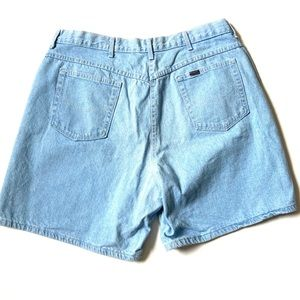 "Vintage CHIC high waisted jean shorts 36"" liteBlue"